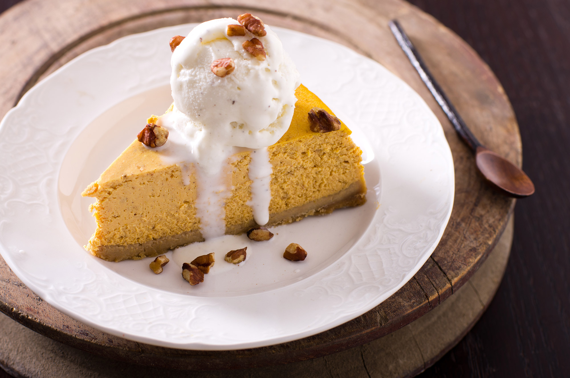 Pumpkin cheese cake with vanilla ice cream