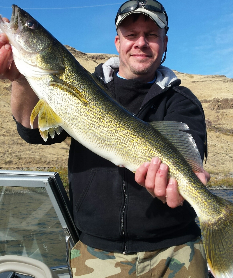 Travis S with a 5 pound walleye caught at our Club Fish Day on the Snake River on October 14th. Fish released.