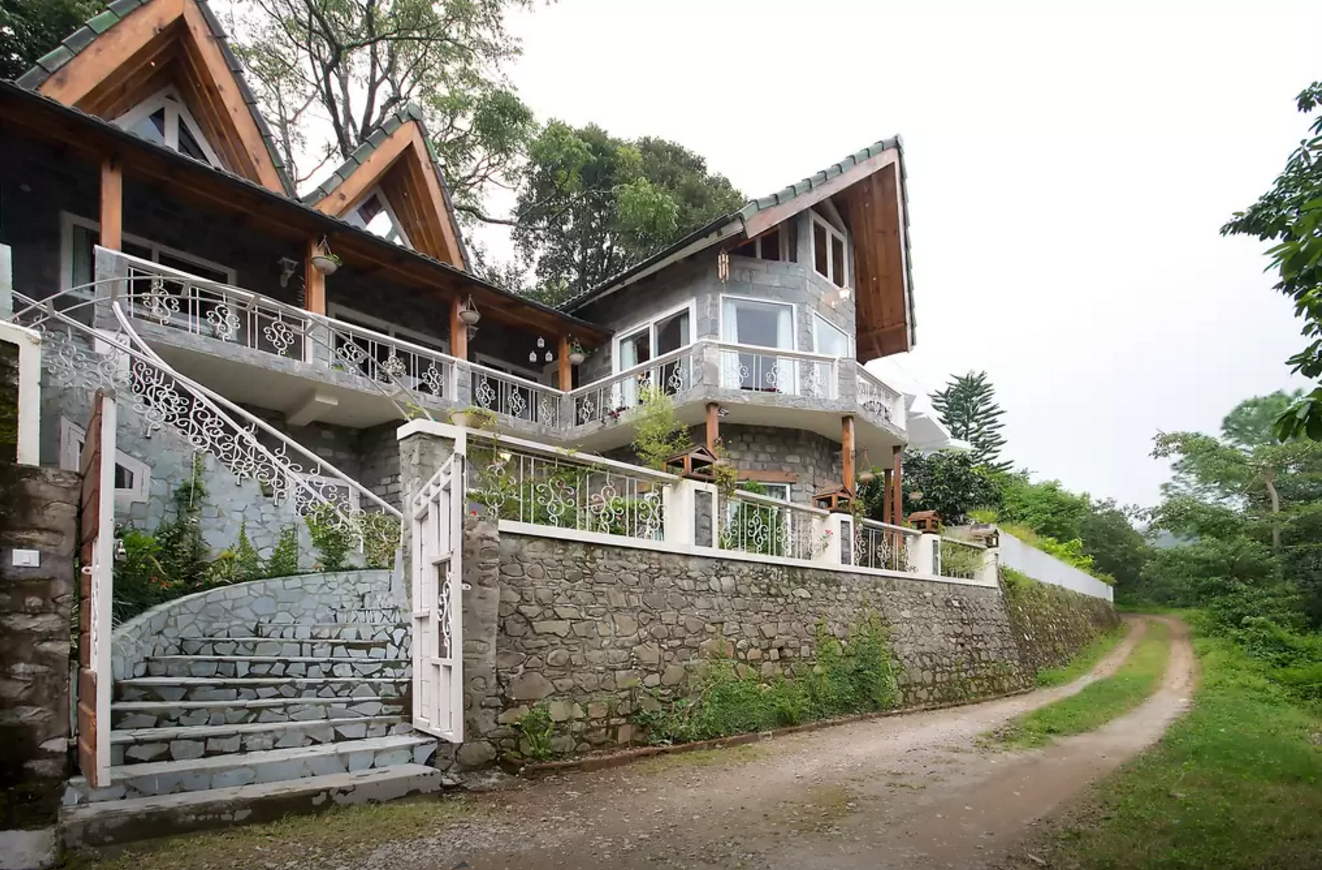 luxury cottage in naukuchiatal.png