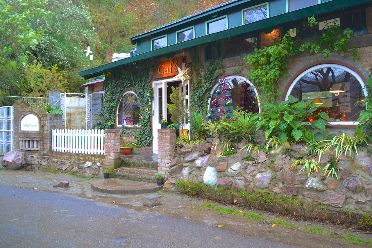 The Cafe near Naukuchiatal Lake