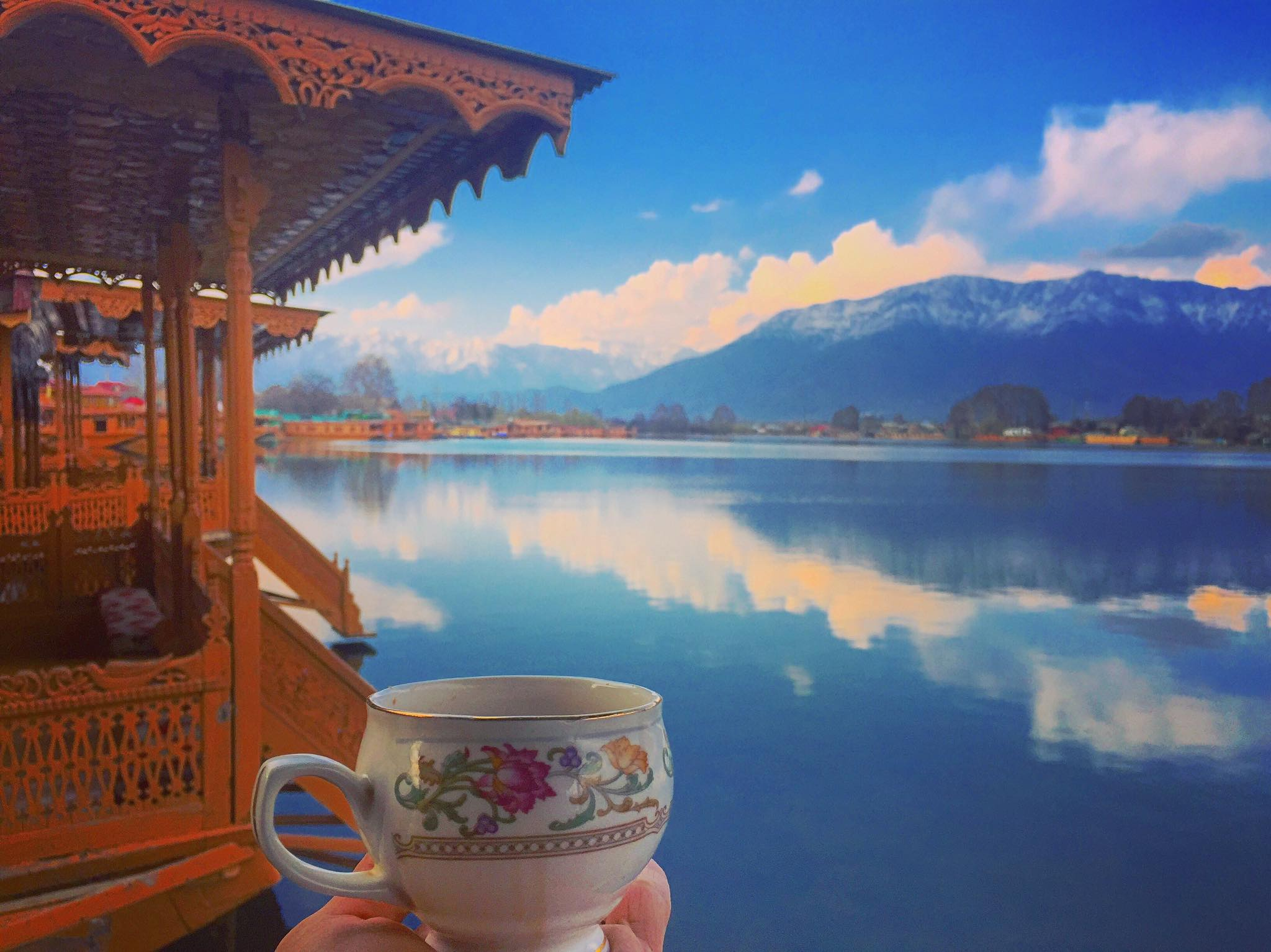 Sweet welcome to Srinagar with Kahwa and stunning views :)