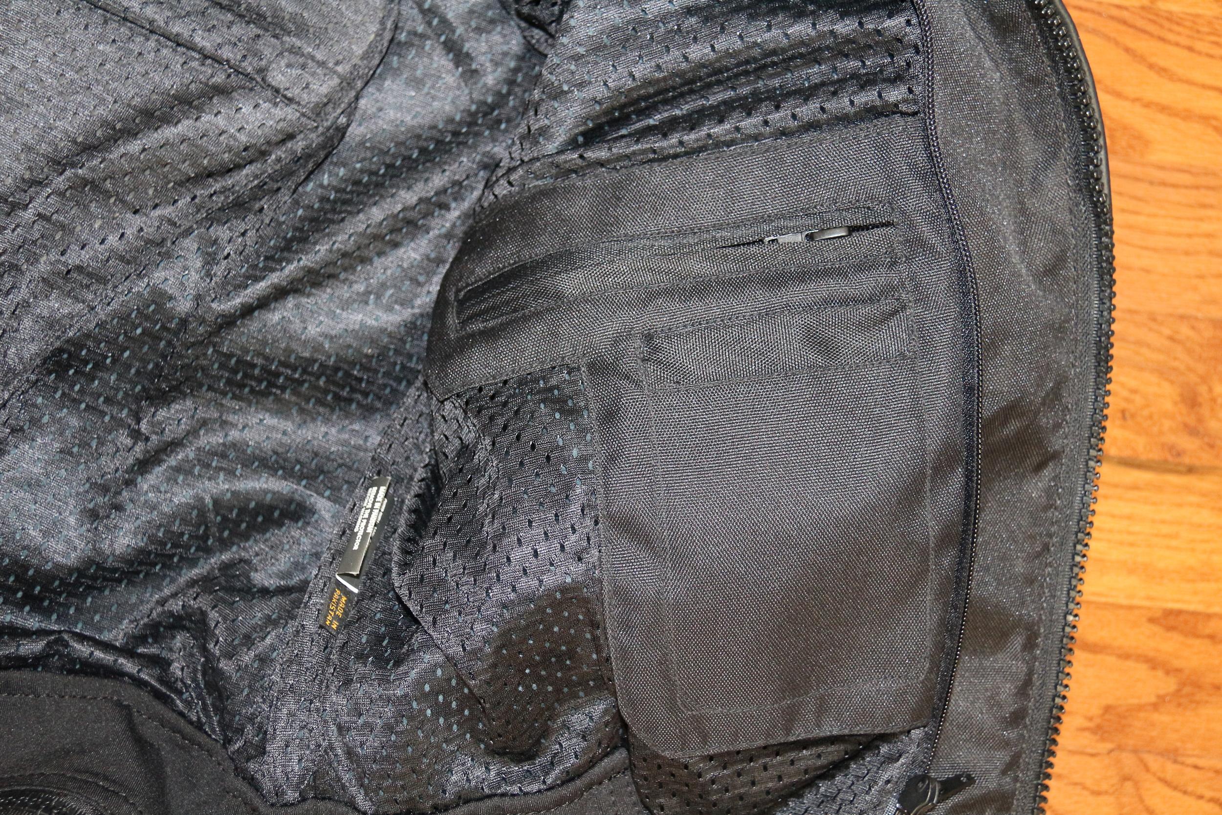 Inside pocket without liner