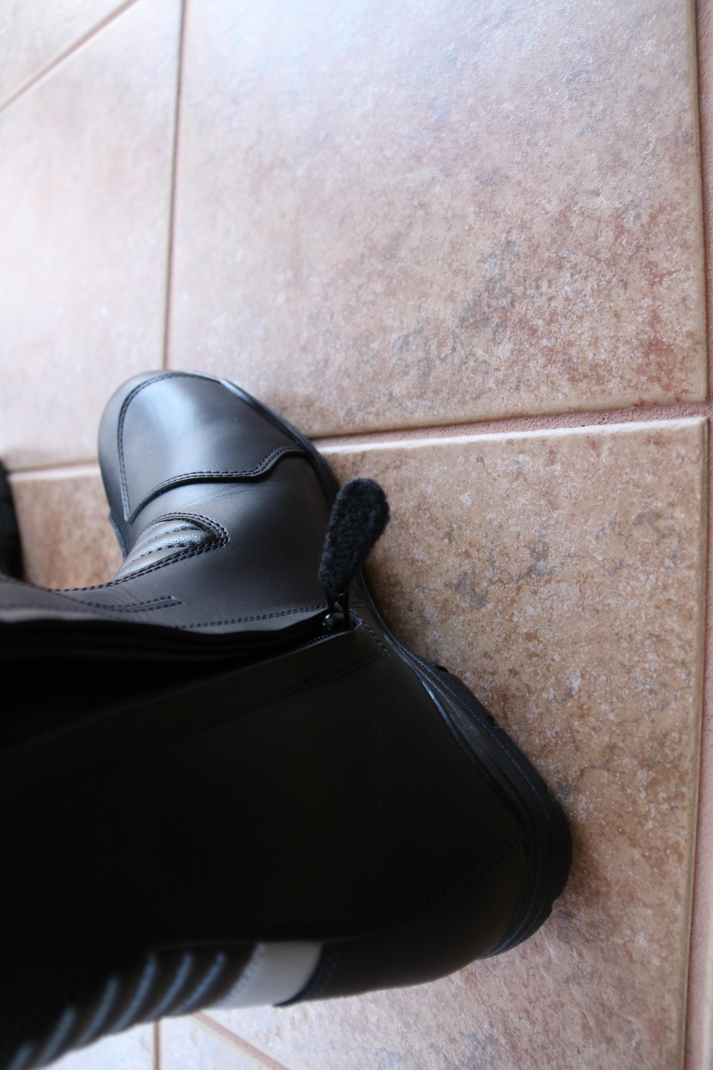 Velcro zipper pull