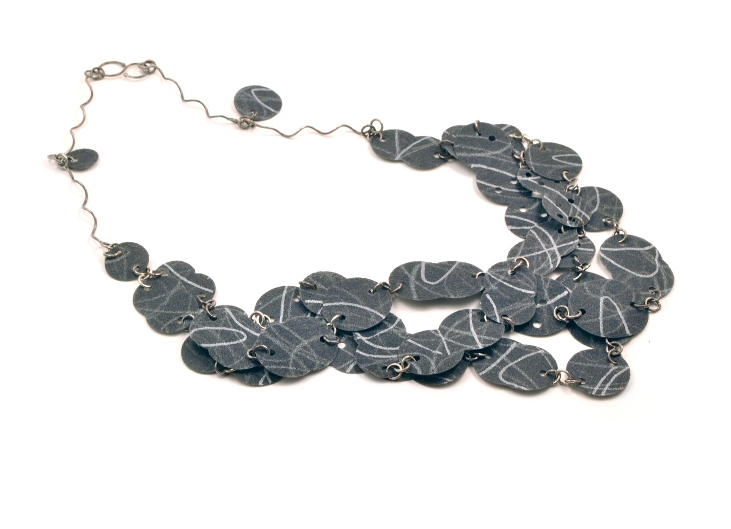Flat Paper Necklace - black and white