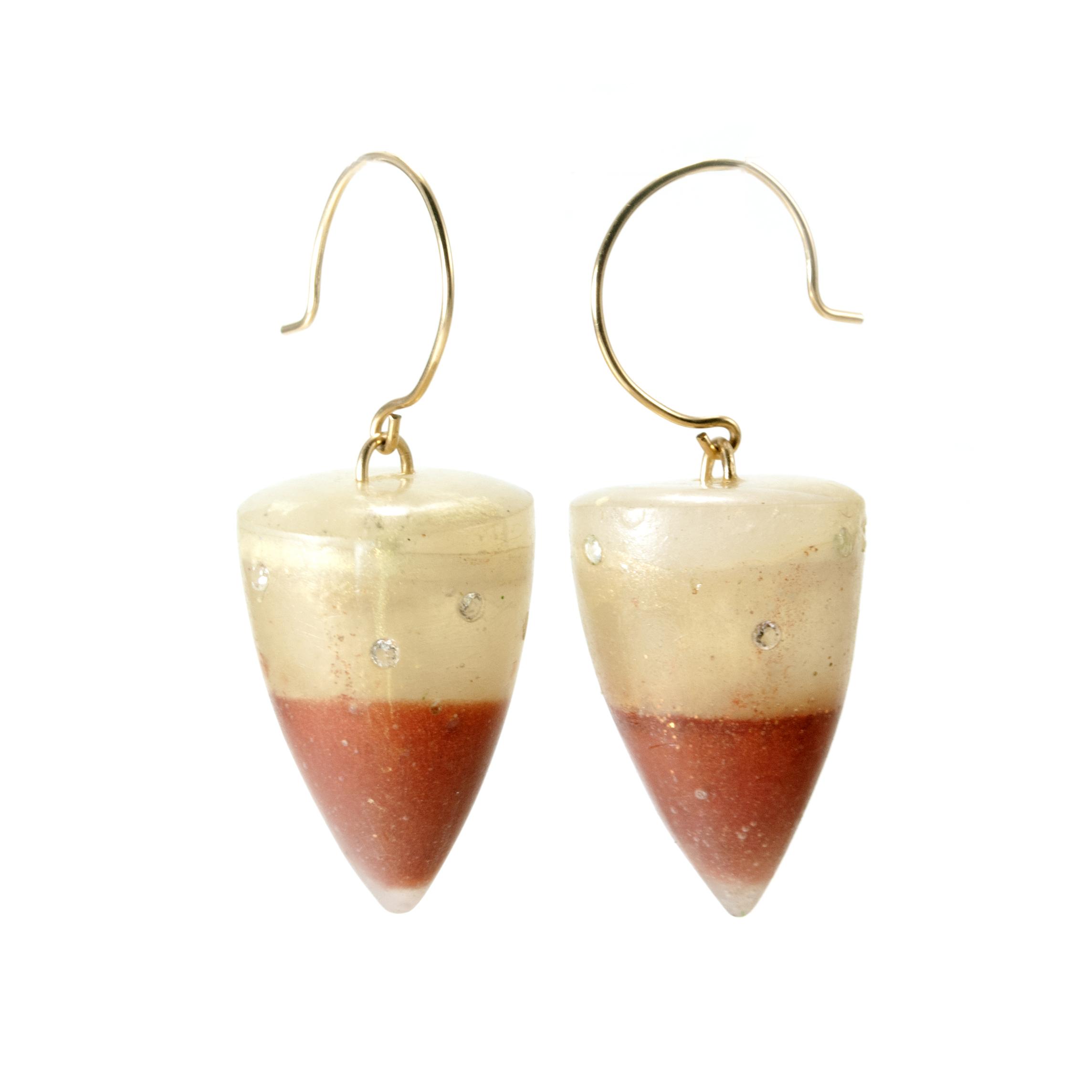 bicolor_resin_earrings.jpg