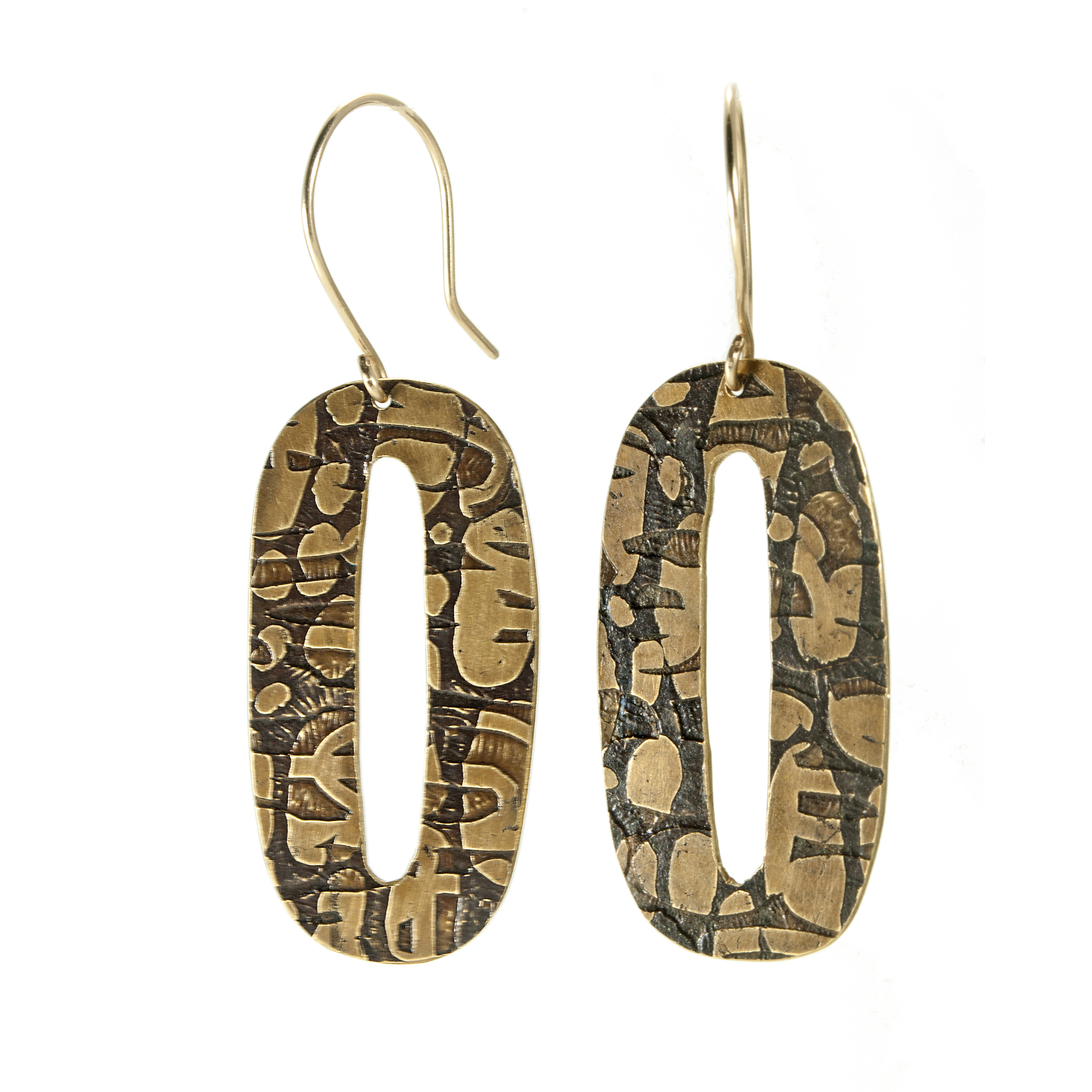 Etched Oh Earrings