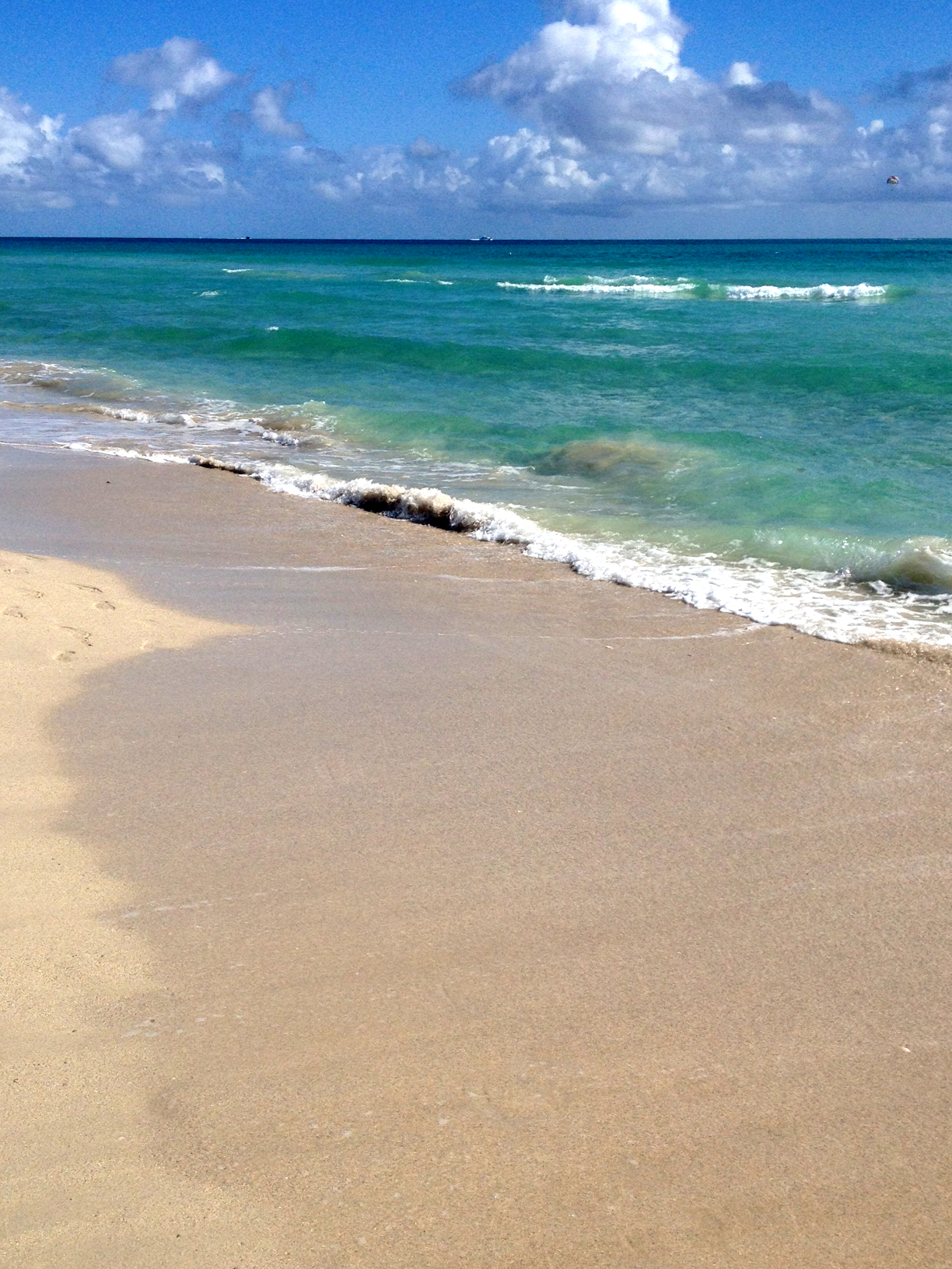 Miami Beach, people-less
