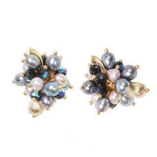 briolette-freshpearl-cluster-earrings-L_p0015199104.jpg