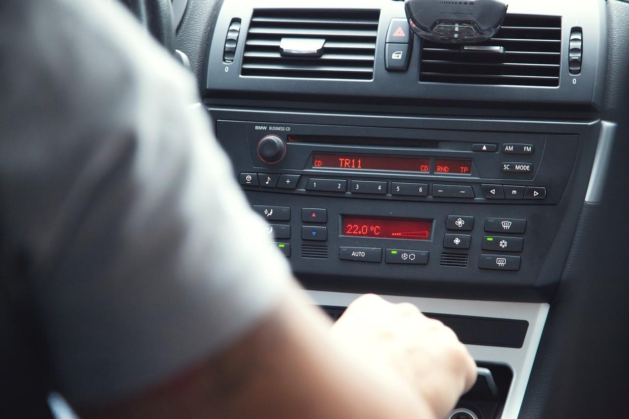 CarRadio.jpg