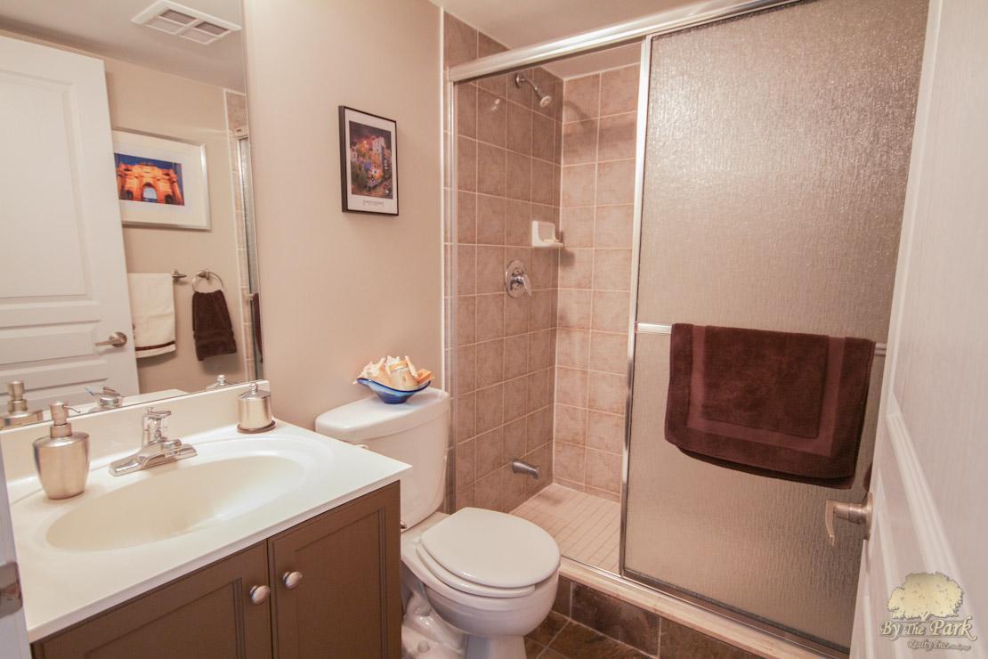 323-Richmond-St-East-Bathroom-1.jpg