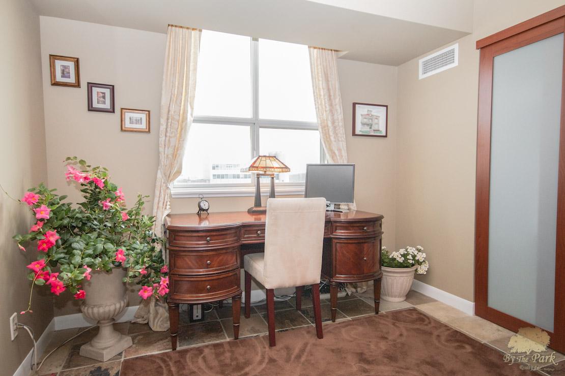 323-Richmond-St-East-Bedroom-2.jpg
