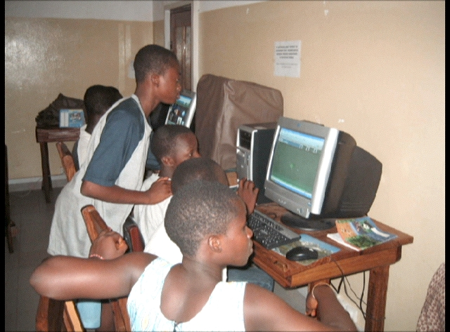 Students using the computer center in Sotouboua, Togo
