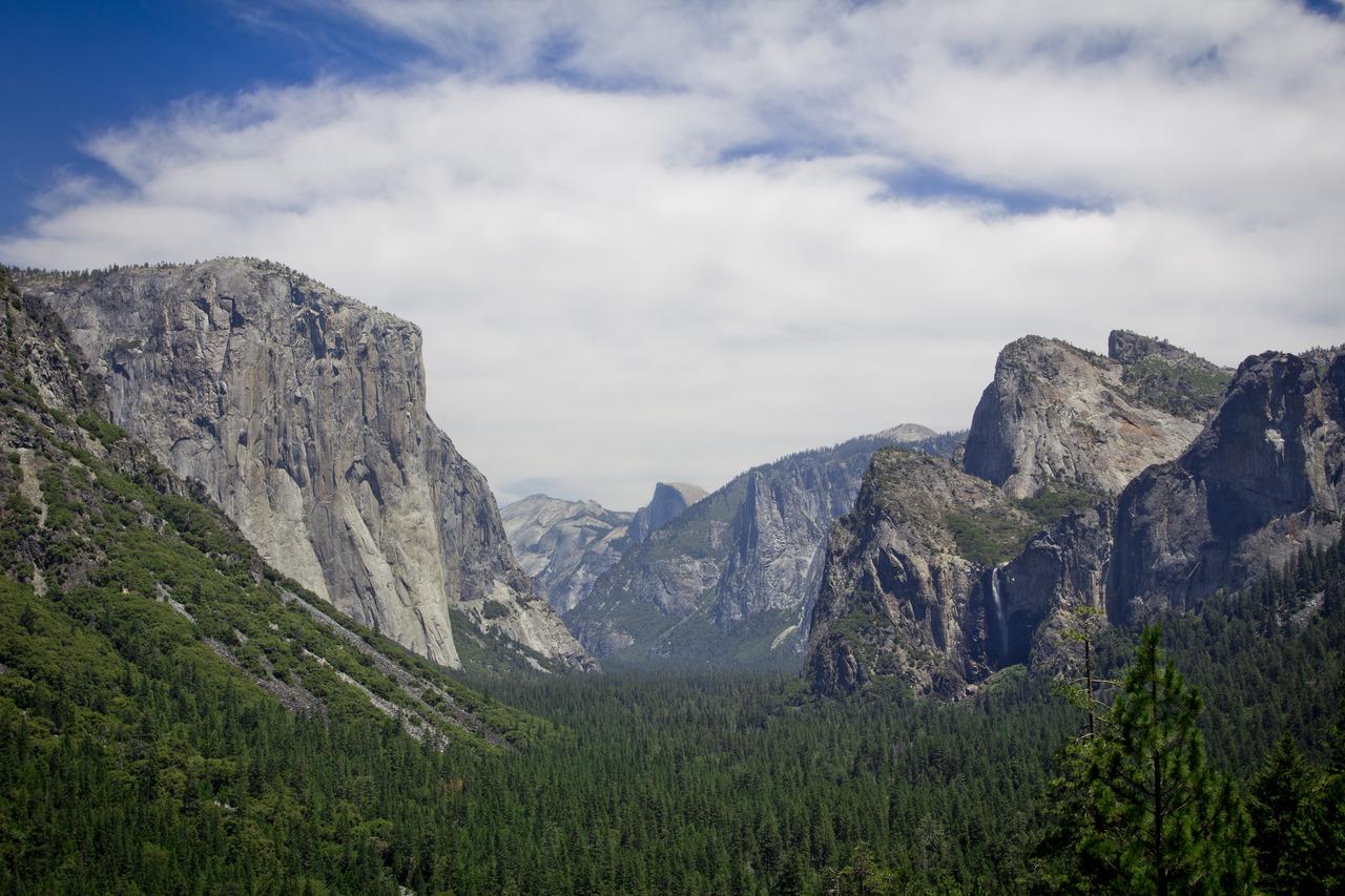 Tunnel View - Yosemite Valley, CA
