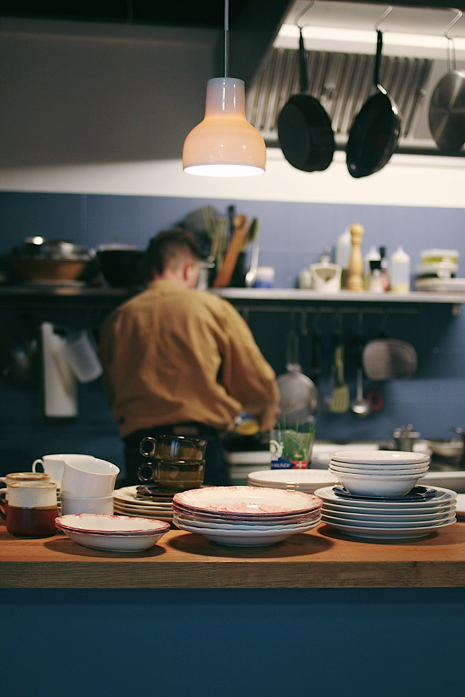 Plates, cups, bowls... you'll find it all at EggSperience.