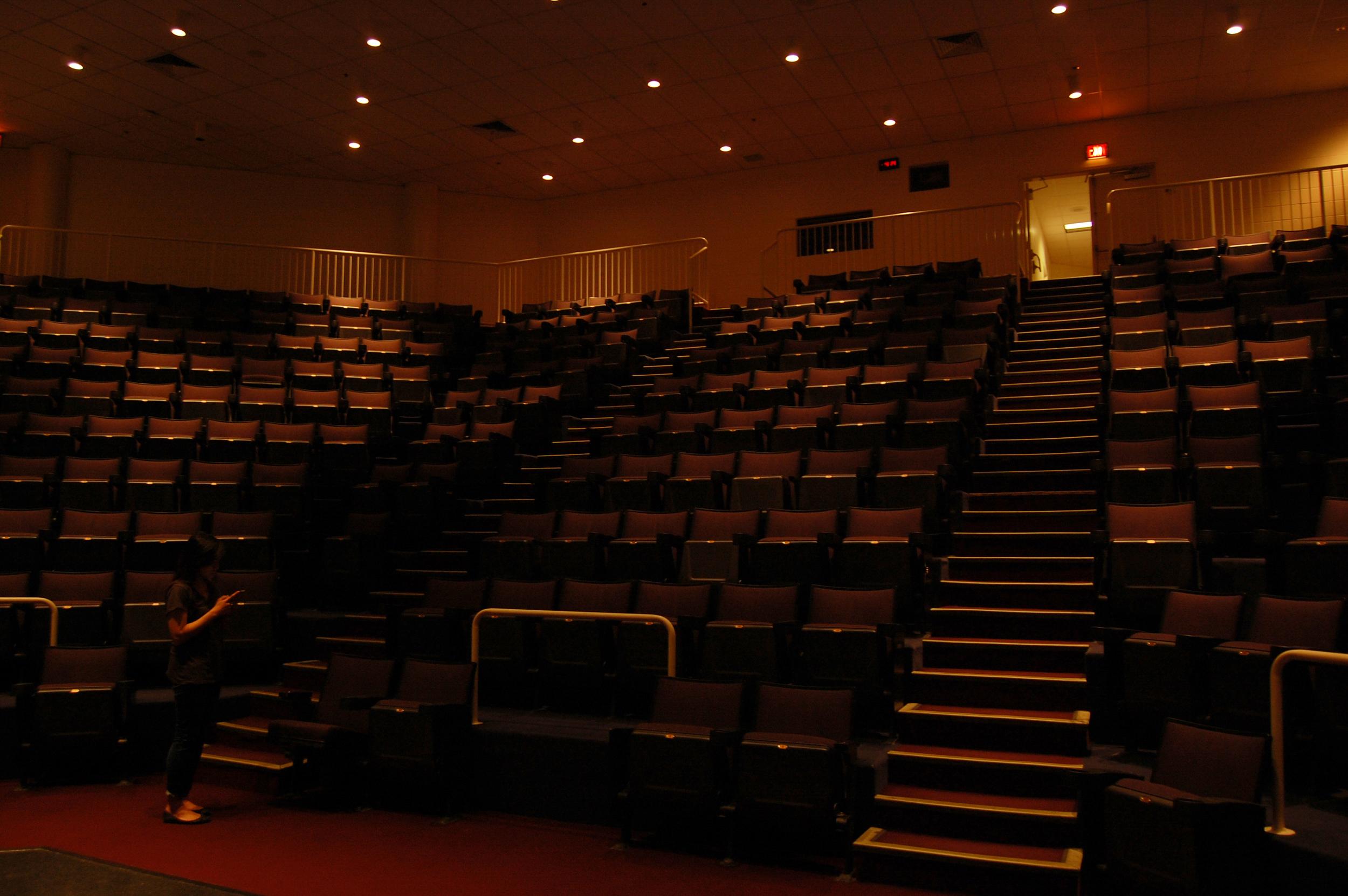 theater_1.jpg