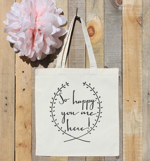 Welcome guests to your wedding with a beautiful bag filled with goodies and a heartfelt note.