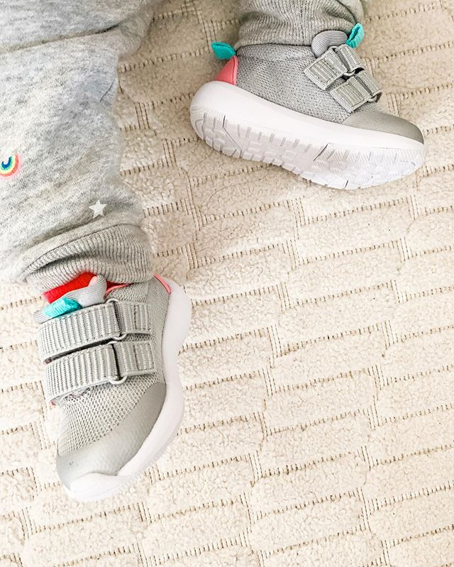 I mean... my heart can't handle this. These @catandjackbytarget sneakers and rainbow sweats from @gapkids are everything. My baby girl is growing too fast. I love those feetsies!!! 🌈 • • • #sneakers #kicks #babystyle #babyfashion #momlife #babygirl #target #targetstyle #catandjack #targetfinds #baby #sparkle #sweats #gap #gapbaby