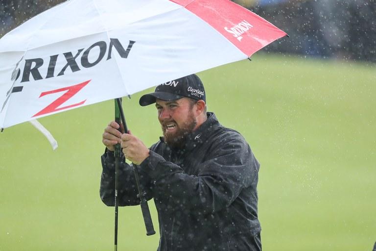 Shane-Lowry-rain.jpg