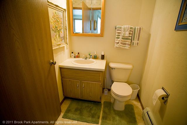 2A-2B-half-bathroom.jpg