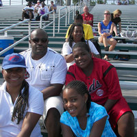 2010 aau nationals bond hill flyers track tai's family.jpg