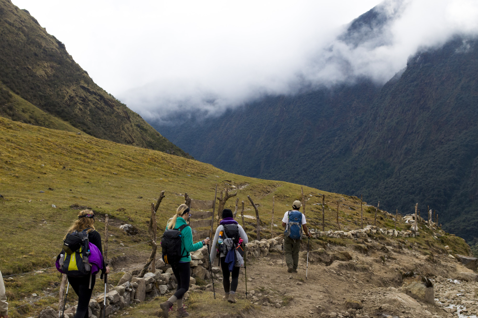 Inca 2 group hiking.jpg
