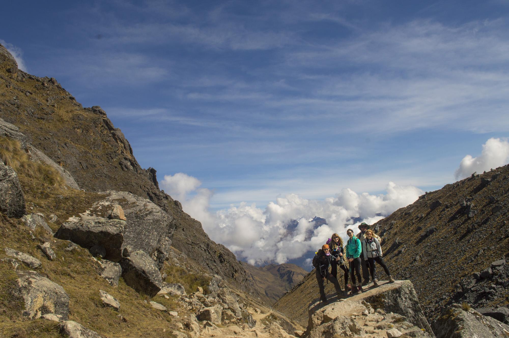 Inca 2 wide group salcantay pass.jpg