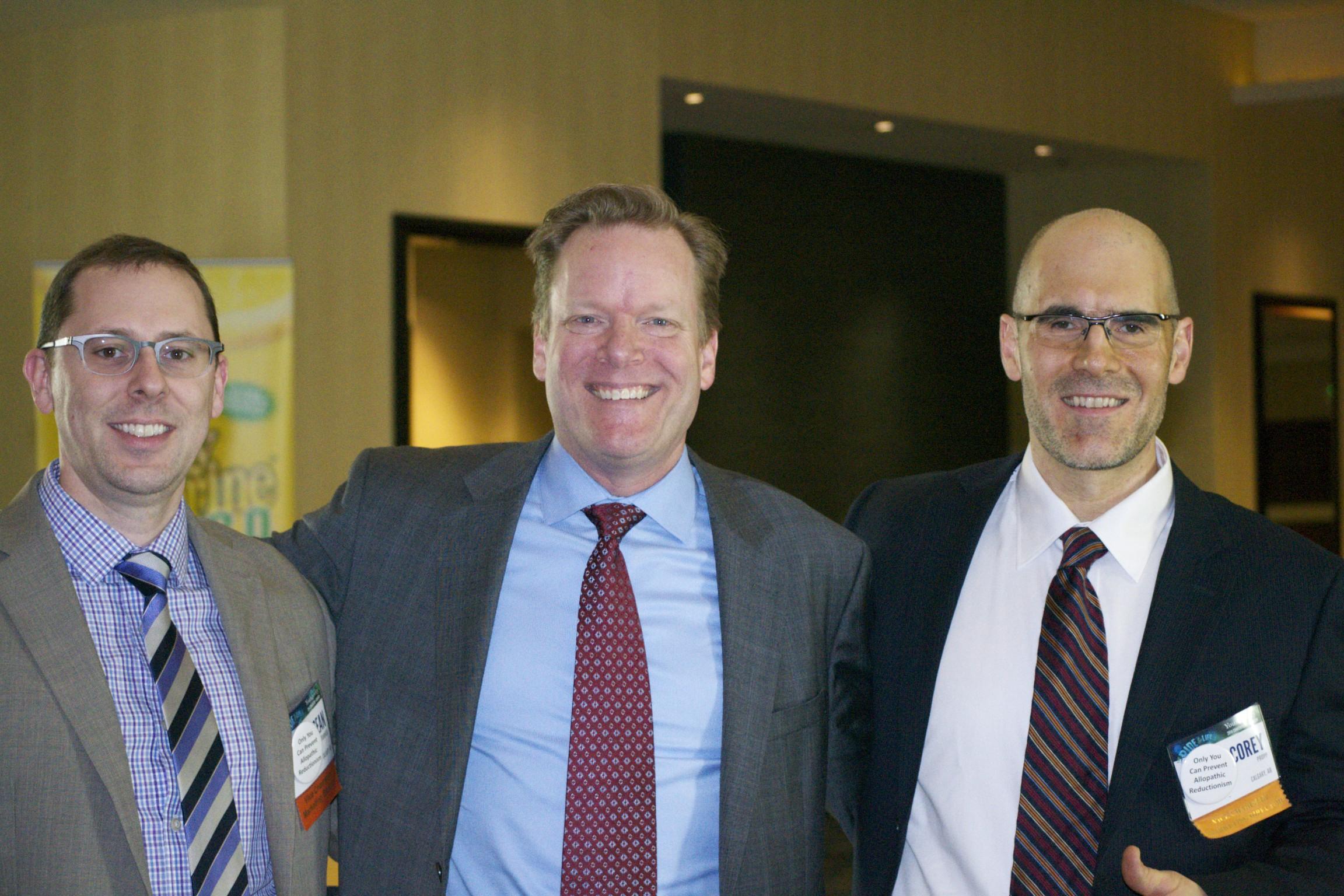 Mike Randolf (middle)