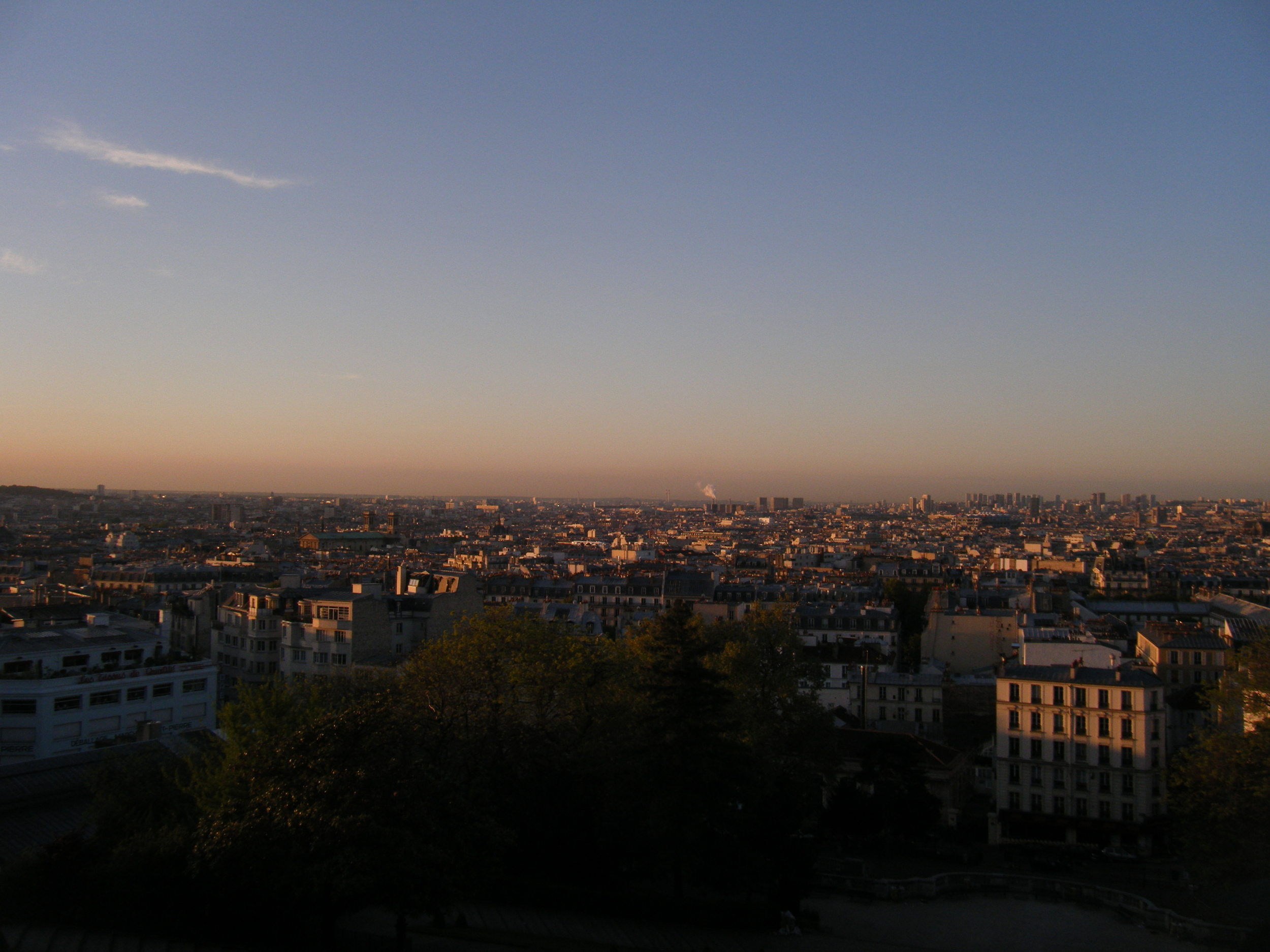 Sunrise over Sacre Cour in Paris | Lovey Dovey Darling