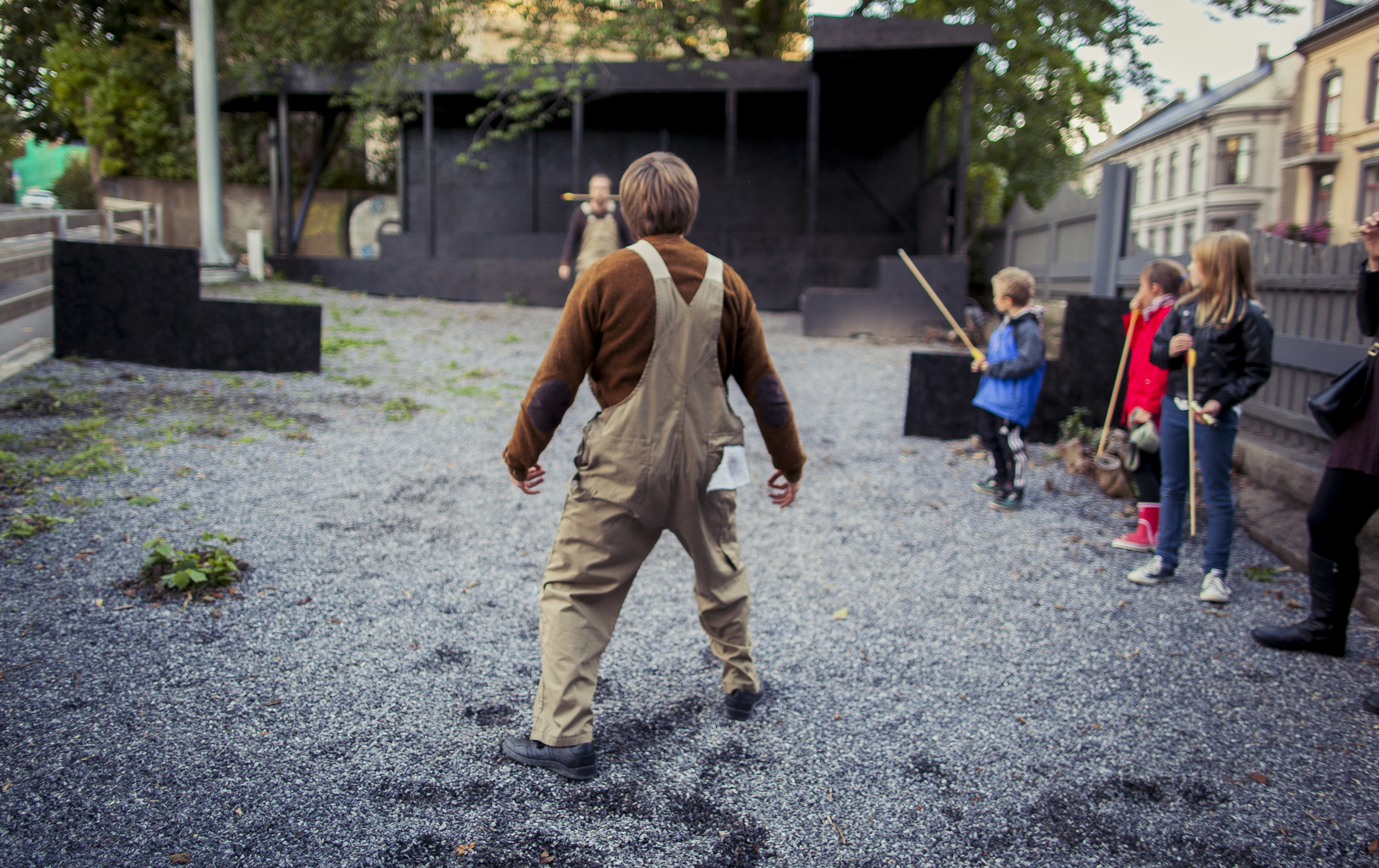 STASJON75 / Oslo   -local performance, Adamstuen-Oslo   with Gaute Askild Næsheim and Lasse Valdal.   The formerly emptiest point in the neighborhood has its very own performance, specifically made for this spot in particular, especially for 8-9 year olds.    Conceived and directed by Claire de Wangen - Photography: Morten Bendiksen    #clairedewangen #performance #oslo #adamstuen #mortenbendiksen