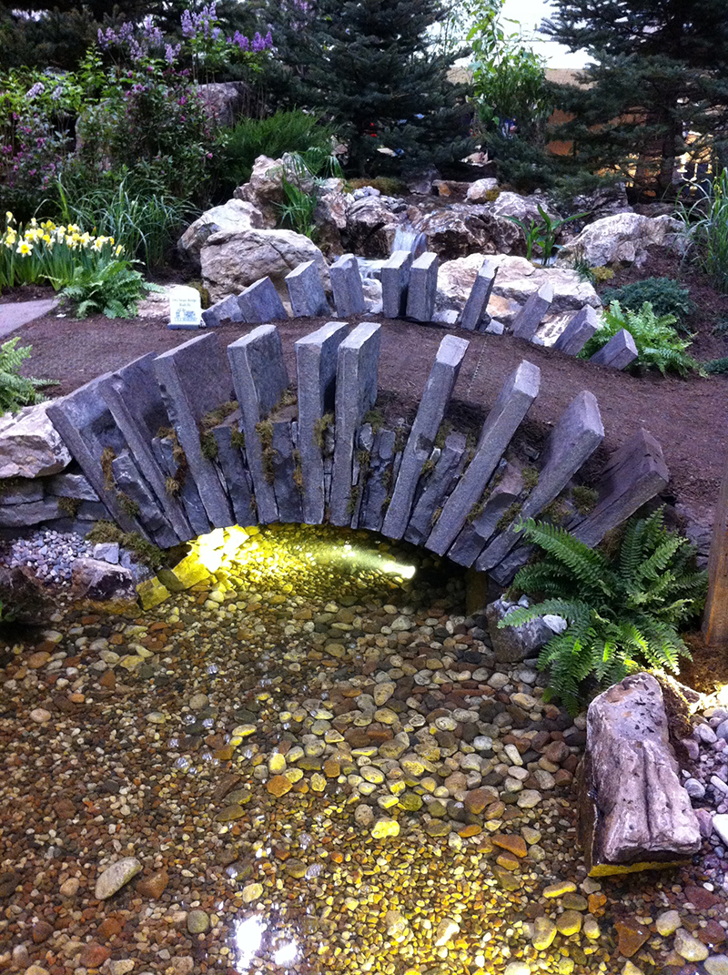 An interesting use of stone on this bridge. Love the lighting too.