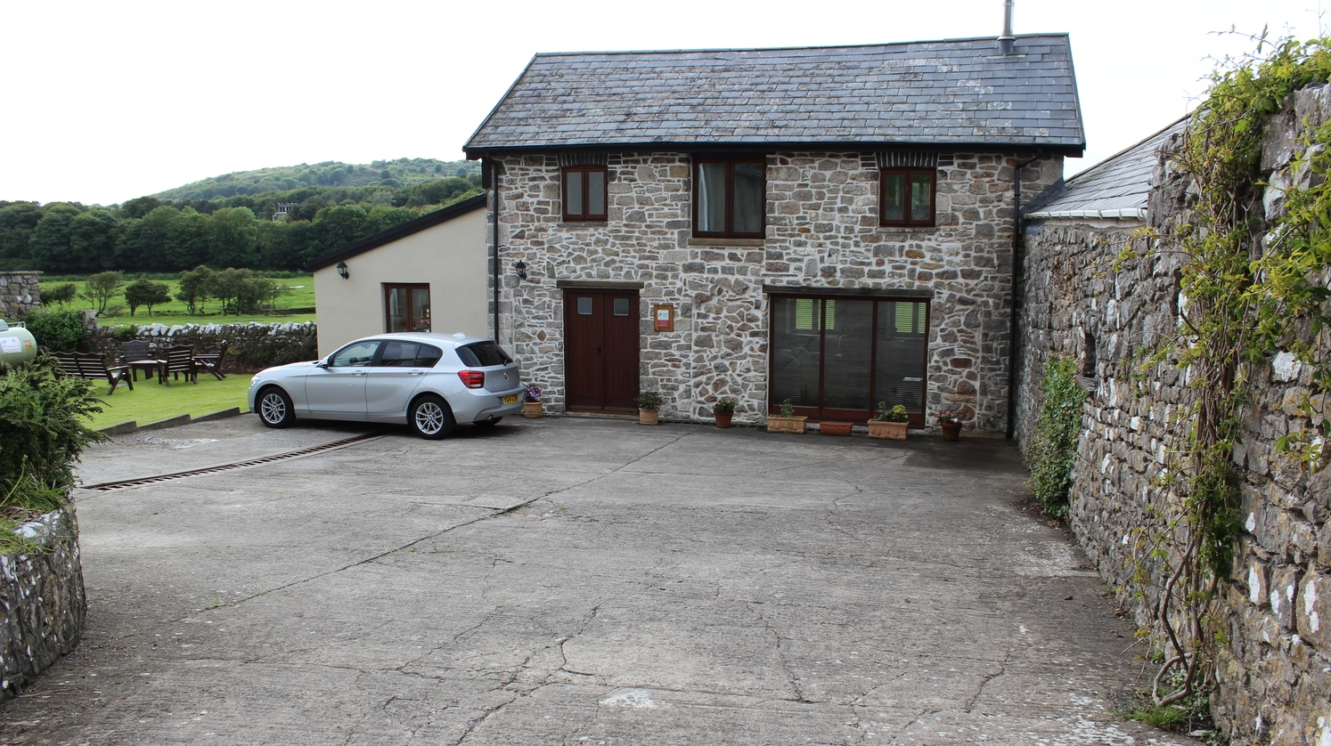Dormy Coachhouse, backing onto the commons of Ogmore-by-Sea.