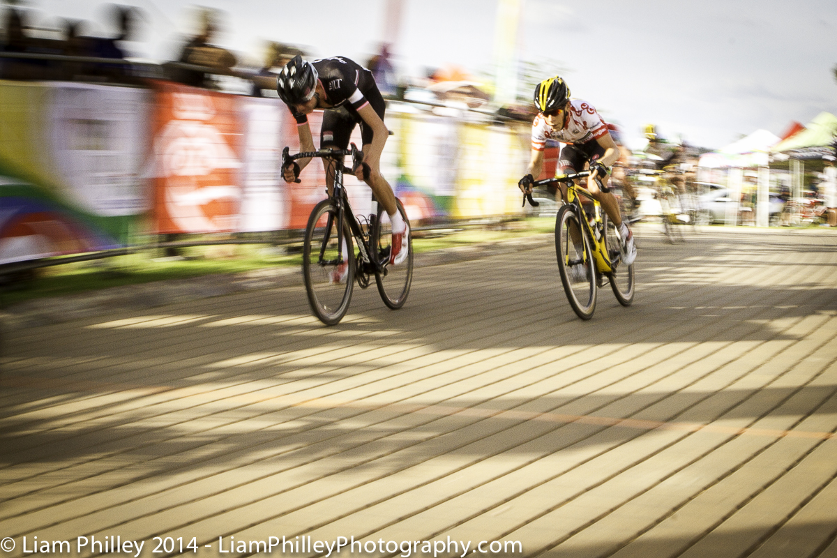 MEINTJES MTN-Qhubeka making a move with two laps to go in crit.jpg
