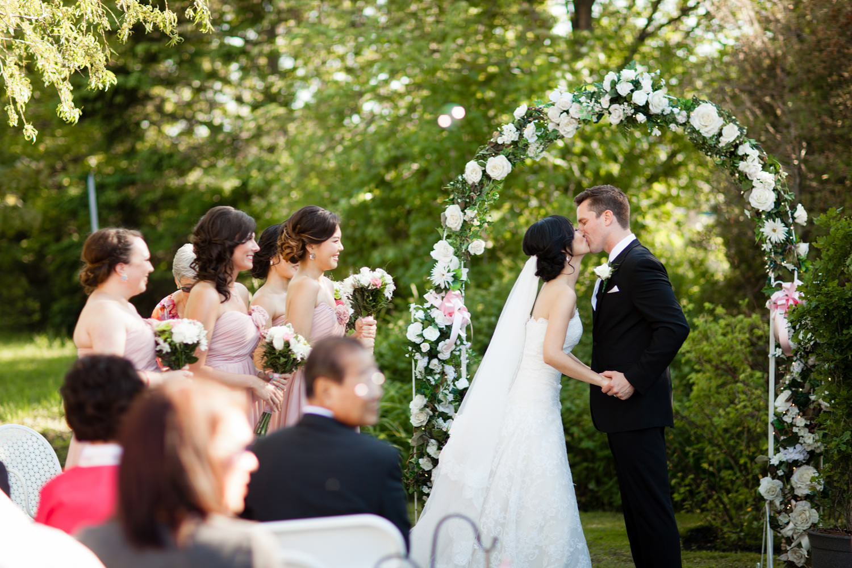 wedding ceremomy first kiss cape breton