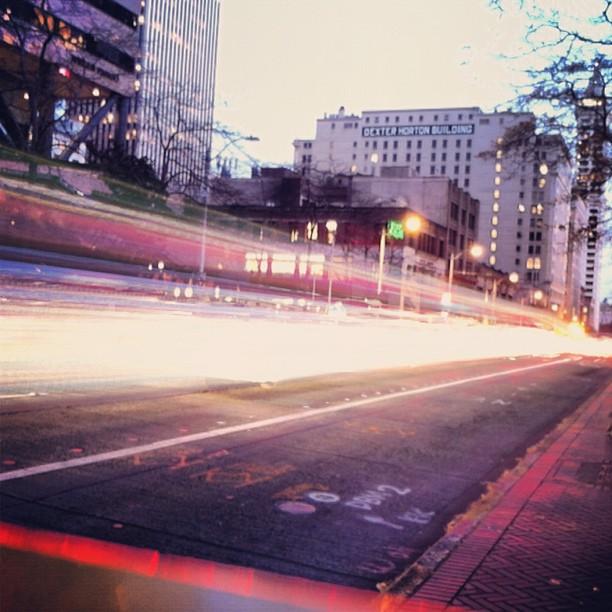 light-traffic-slowshutter-seattle_8170879025_o.jpg