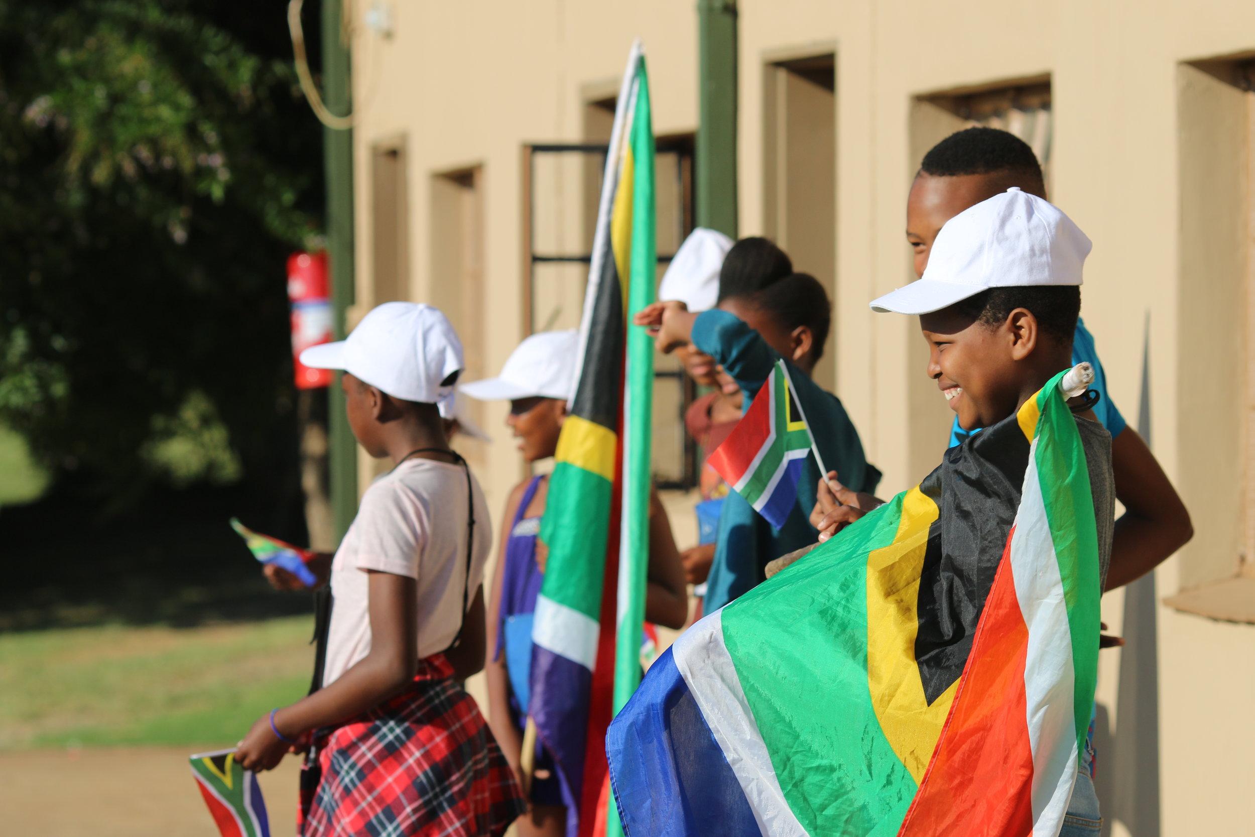 kids with SA flags