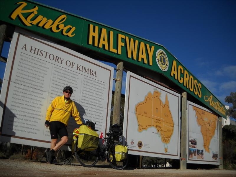 Halfway across Australia - Kimba