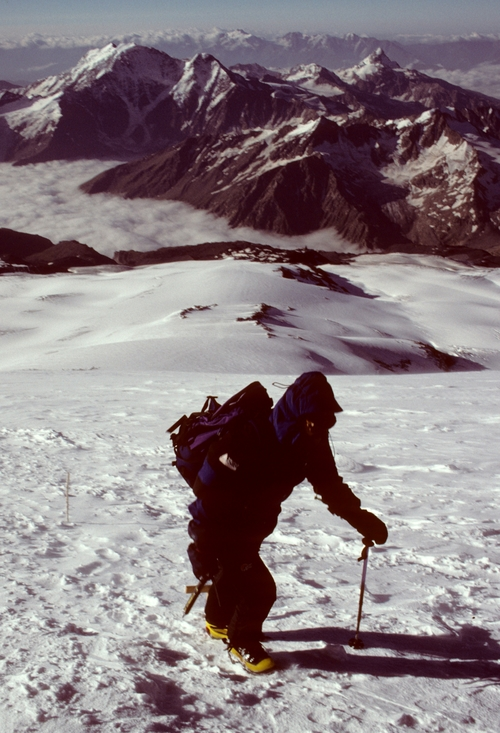 Elbrus+-+Dave+at+17,000+feet.jpg
