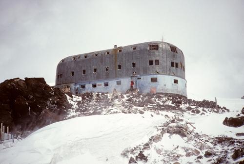 Elbrus+-+Priut+Hut+@+13,500+feet.jpg