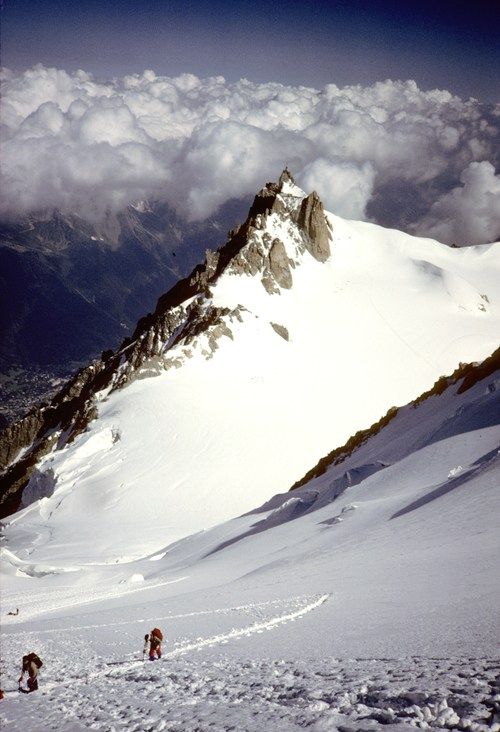 Mont+Blanc+du+Tacul+-+looking+back+to+Aigulle+du+Midi.jpg