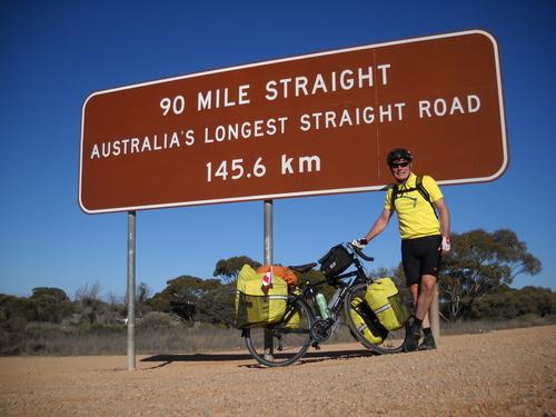 30+-+90+mile+straight+sign+outside+caiguna+roadhouse.jpg