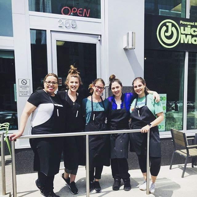 """When the boss says """"let's take a selfie in the sun ☀️ """" . . Also you get a free smoothie camera person 🤗 . #sunny #soniceout #smoothie #family #beststaff #fun #welldeserveddrink"""
