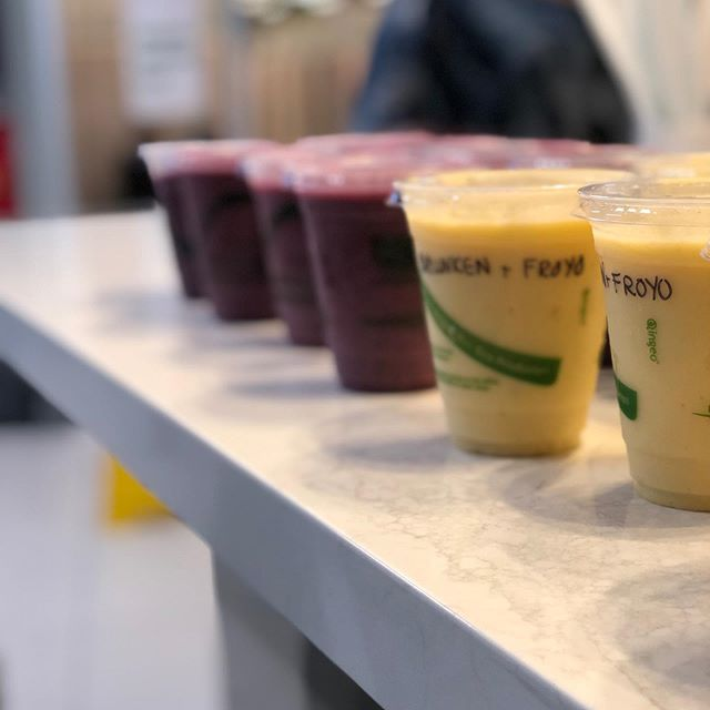 Thank you to Engineers Canada 🇨🇦 for letting us power your morning 💪 . #catering #smoothie #oatmeal #juicemonkey #ottawa #delivery #alwaysapleasure