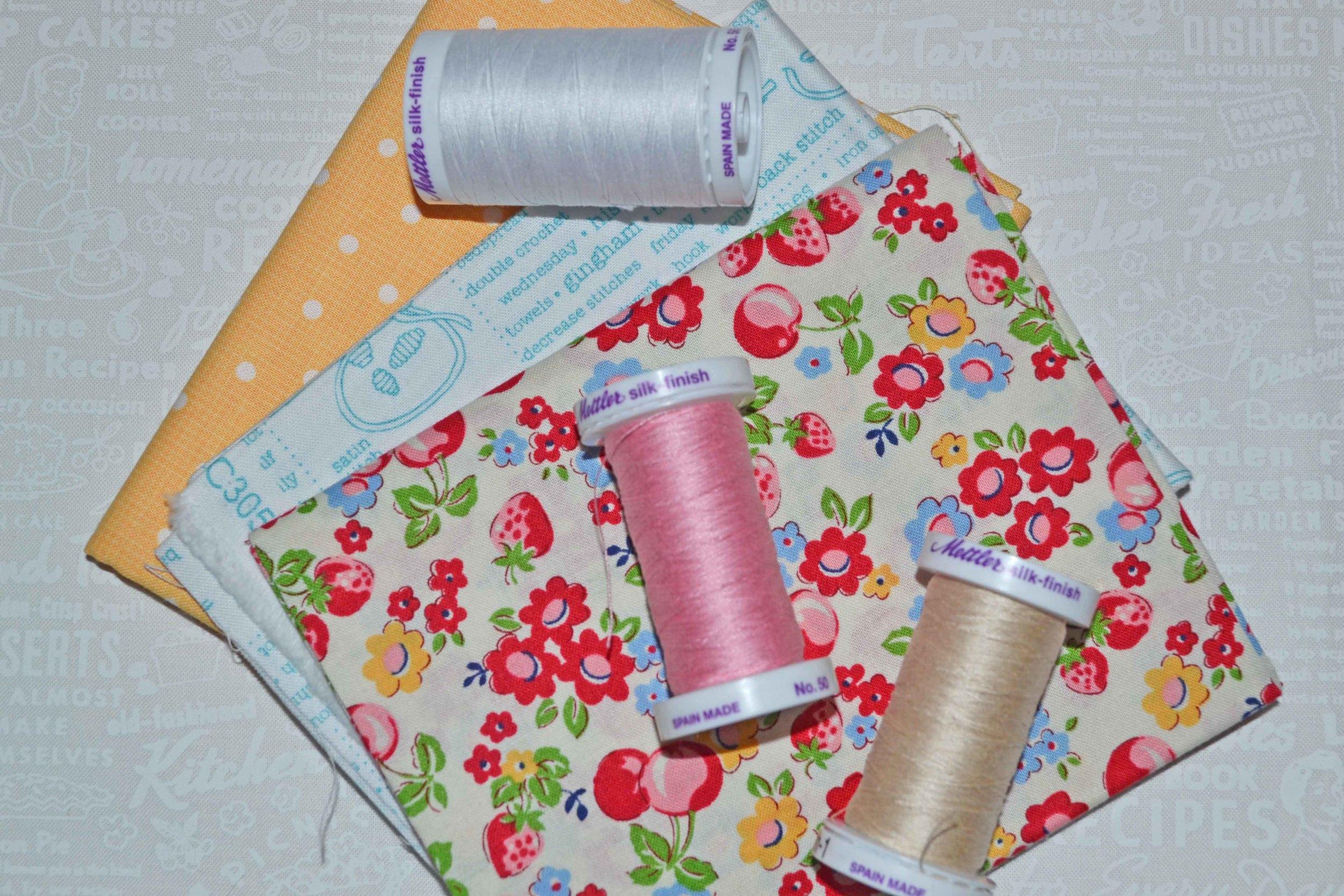 quilty fun sewing spools 018.JPG