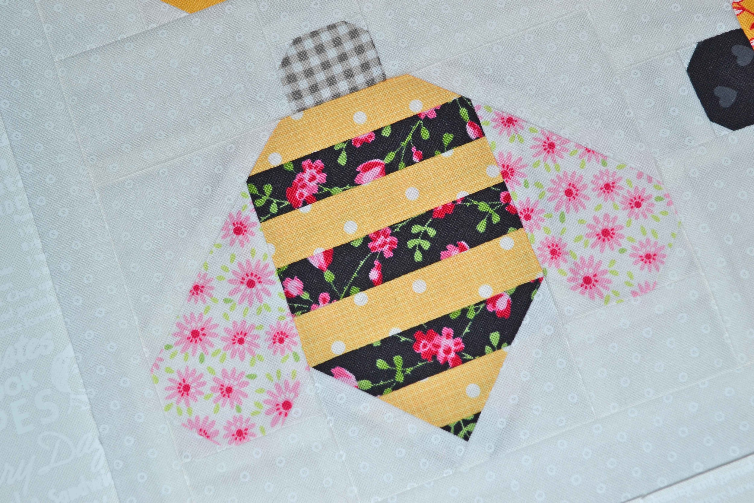 quilty fun bees 002.JPG