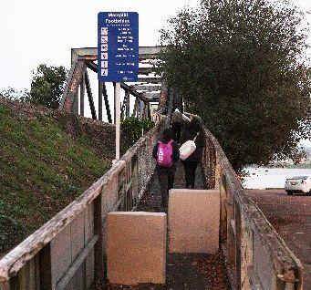 'DANGER': Matapihi footbridge carries 500 people daily.