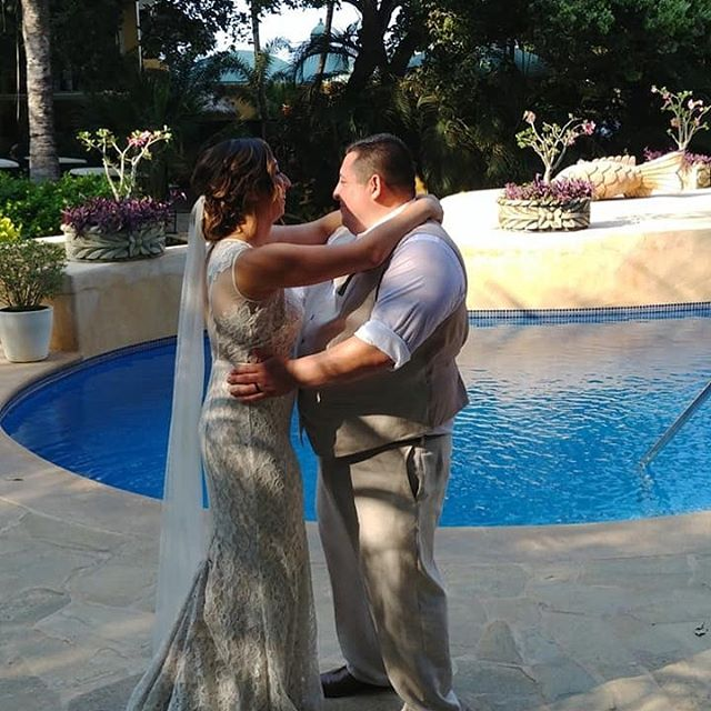 Congratulations to the beautiful bride @erikajavina and her husband, Raul, on their recent wedding in Mexico! Best wishes to you two! #bridesthatlift #colusacountystrengthandconditioning