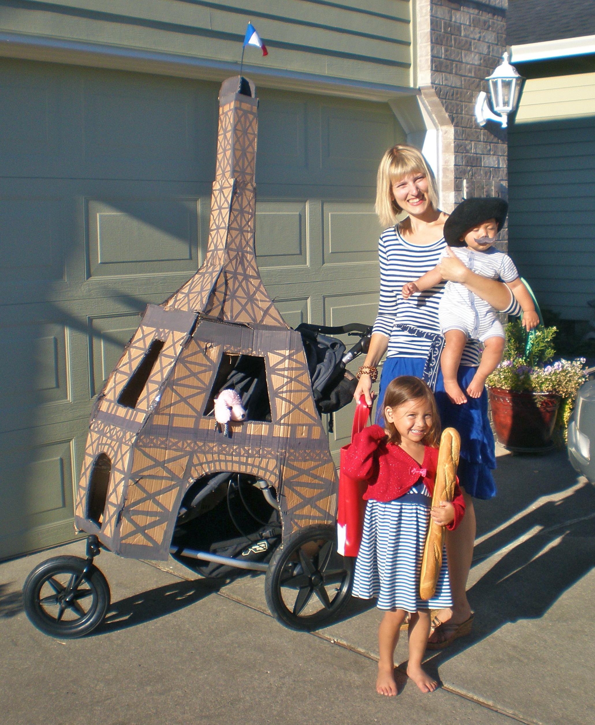 French-Costumes-Eiffel-Stroller.JPG