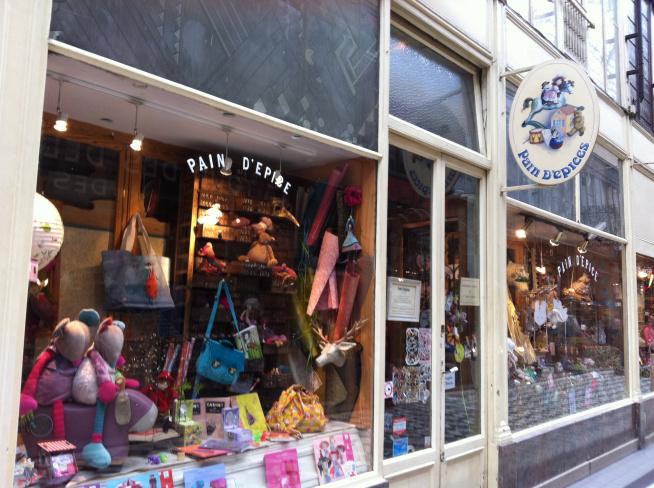 Pain d'Epice toy shop, photo by La Parisienne Trotteuse