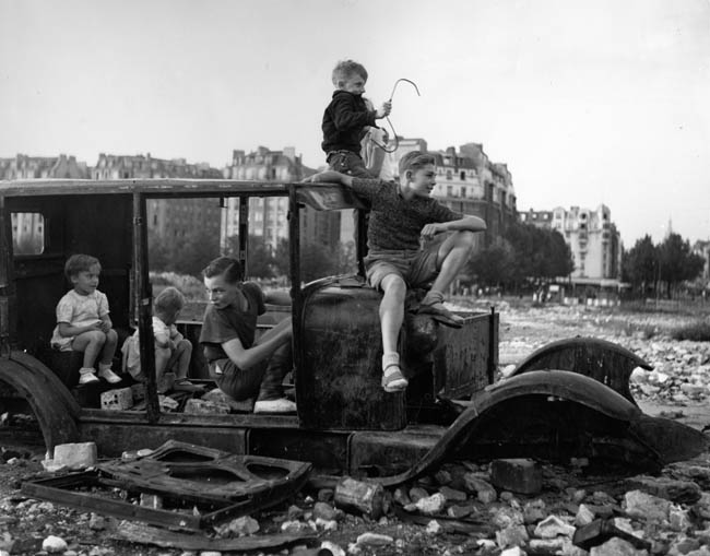 La voiture fondue  by Robert Doisneau, 1944.