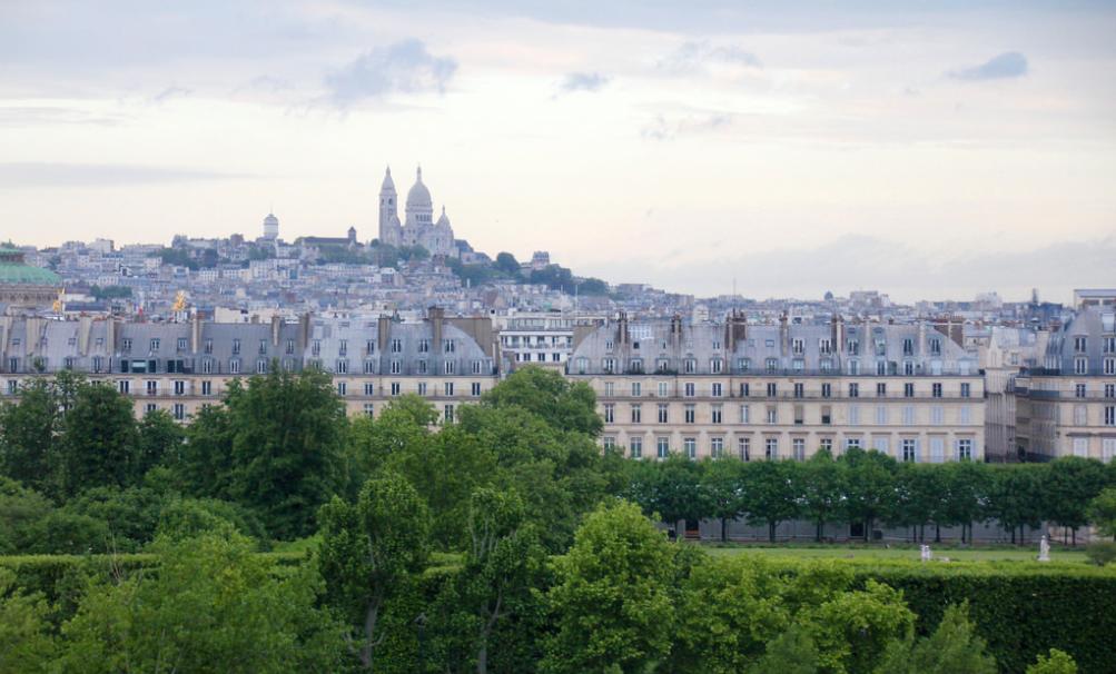Soir de Paris - Tuileries by  Renard Camus